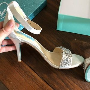 Betsey Johnson Blue Gina Ivory/Satin Heel